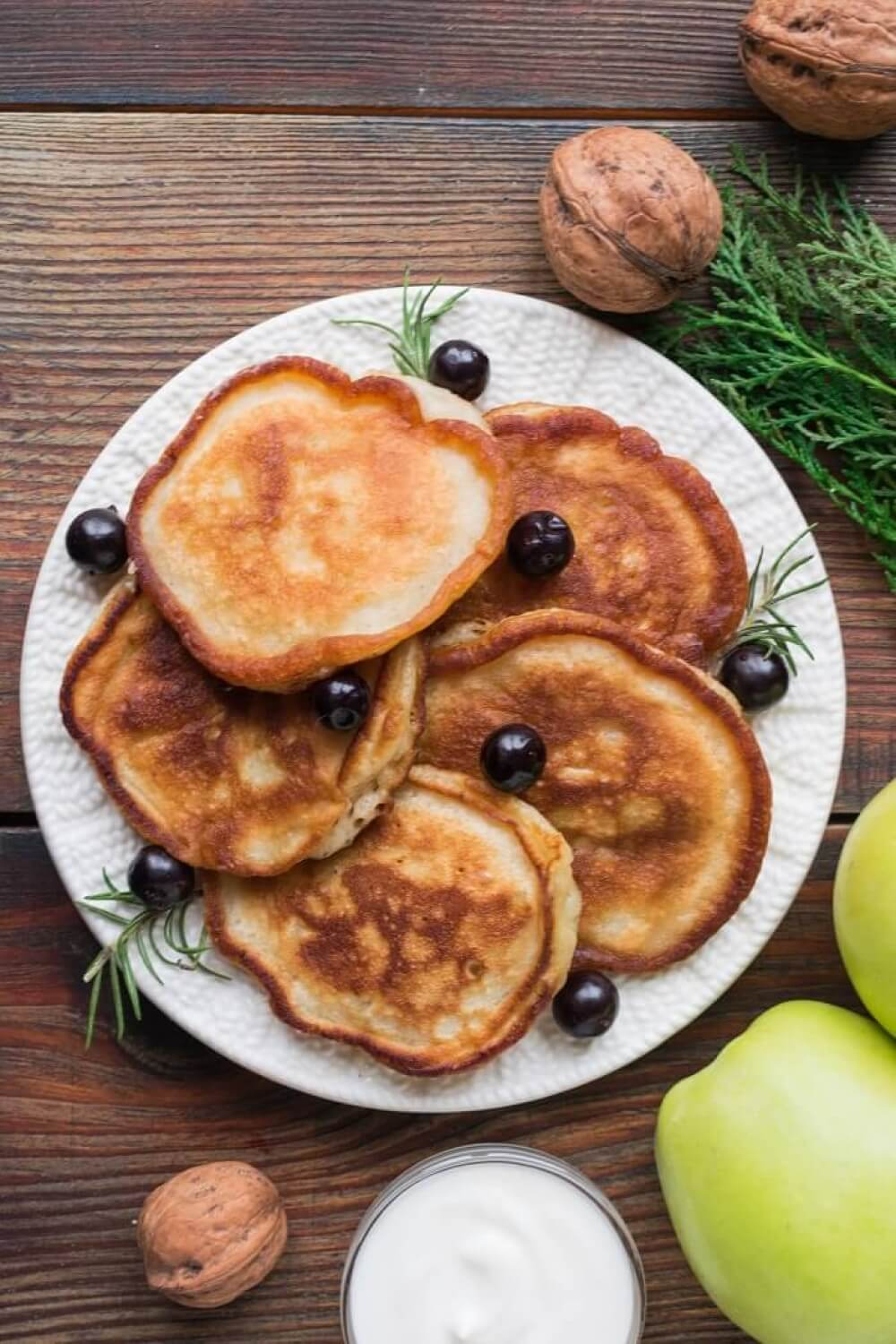 Lush Apple Pancakes (Oladi)