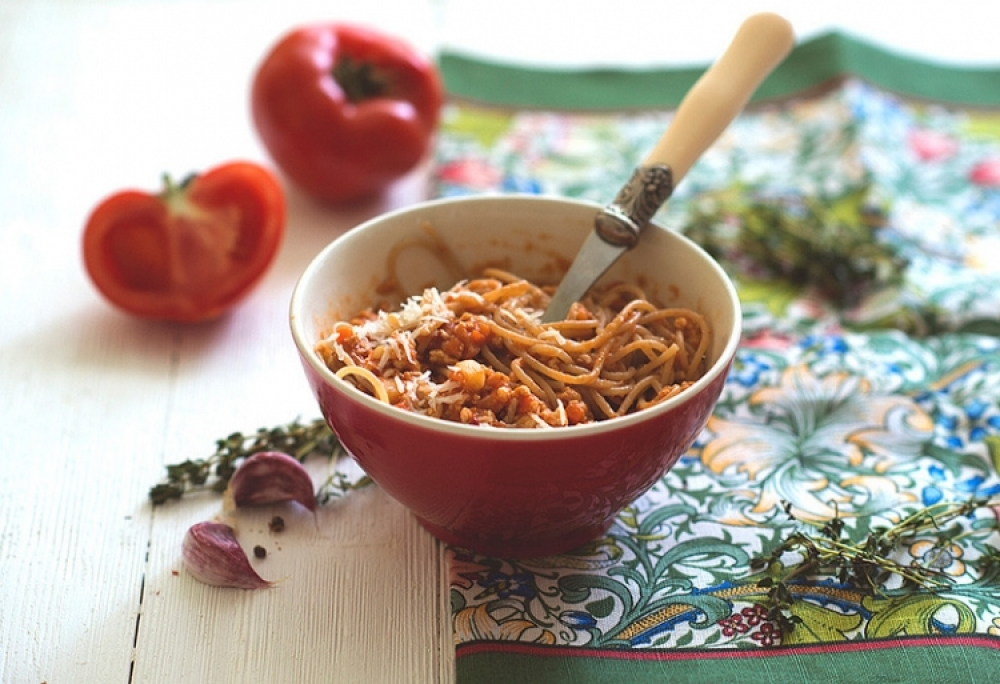 Pasta sauce with turkey and vegetables