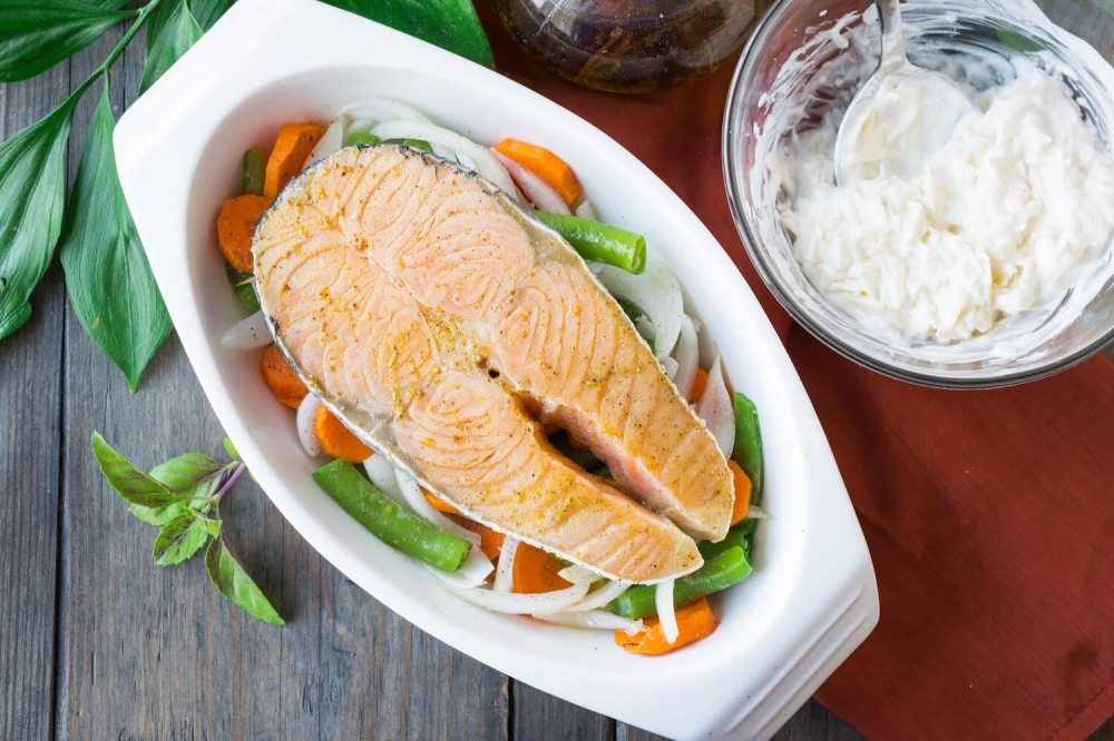 Easy Sour Cream Baked Salmon with Vegetables