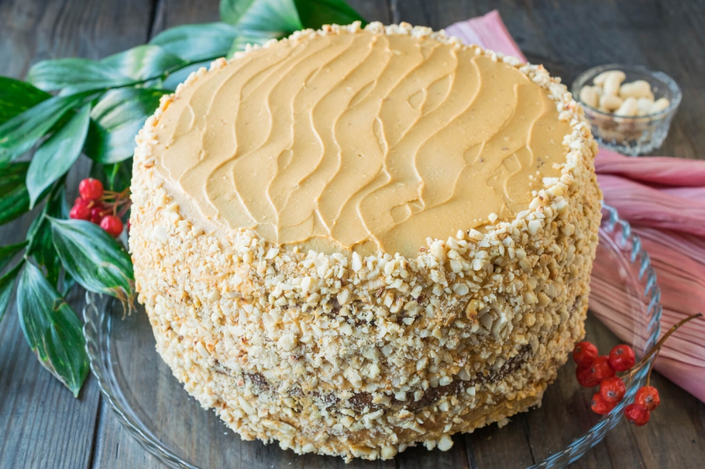Sponge Cake with Condensed Milk and Peanuts