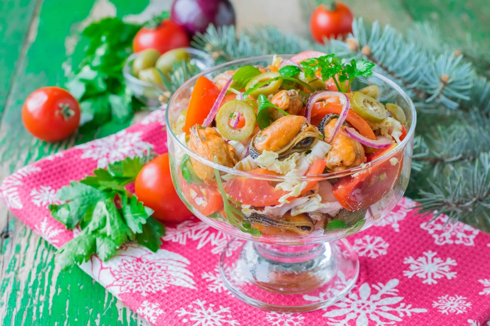 Mussel Salad with Olives and Cherry Tomatoes
