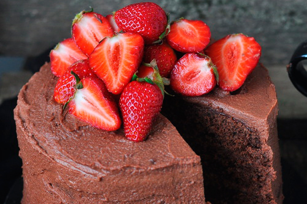A chocolate cake for one, two, three