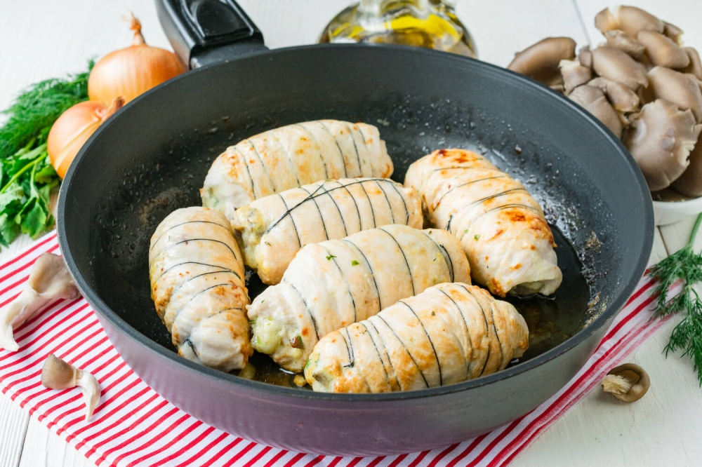 Chicken Rolls with Mushrooms and Cheese