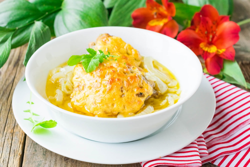 Chicken in Onion Cheese Sauce