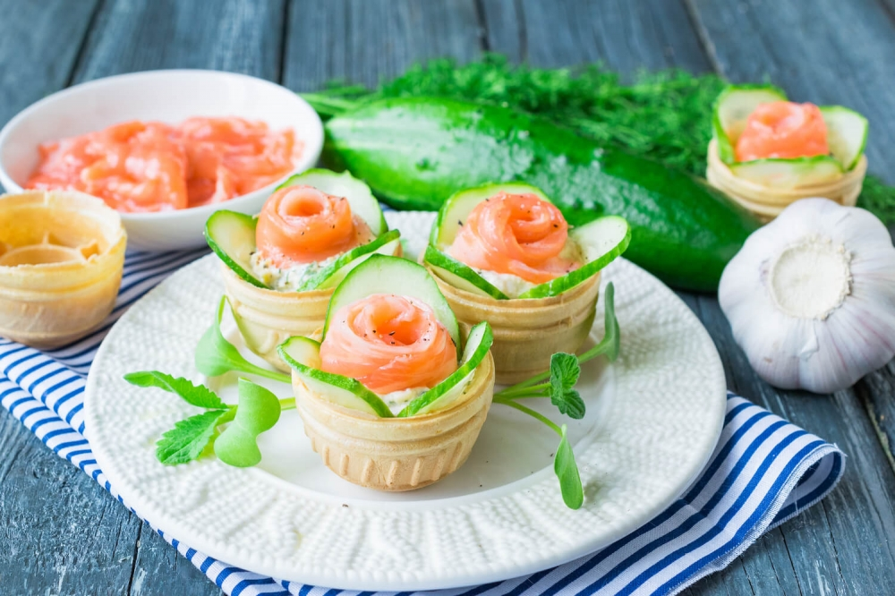 Salmon Tartlets with Cucumber and Hard Cheese