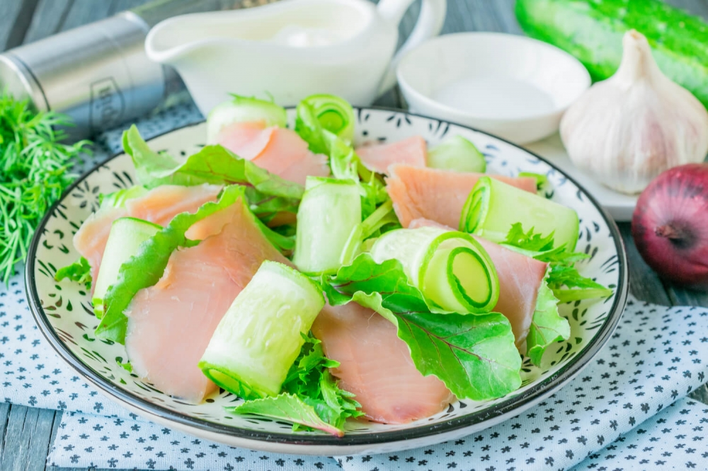 Pink Salmon Salad with Cucumber and Yogurt Dressing