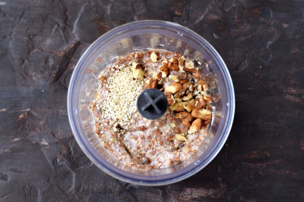 Flaxseed Porridge with Nuts and Sesame