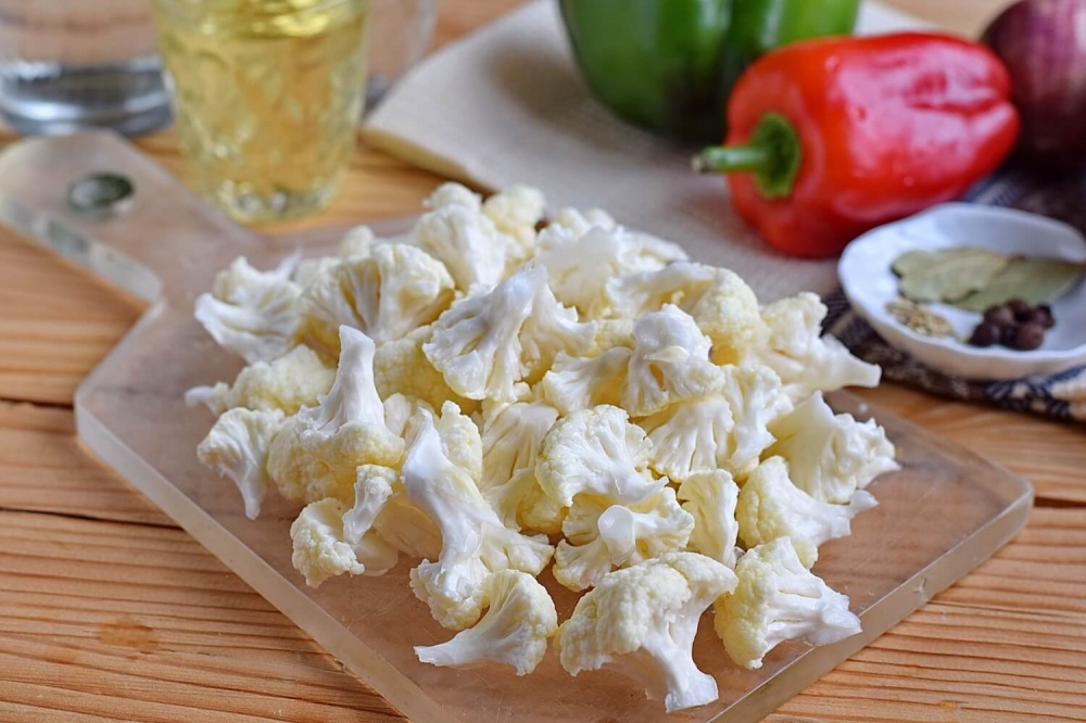 Pickled Cauliflower with Carrots and Bell Pepper