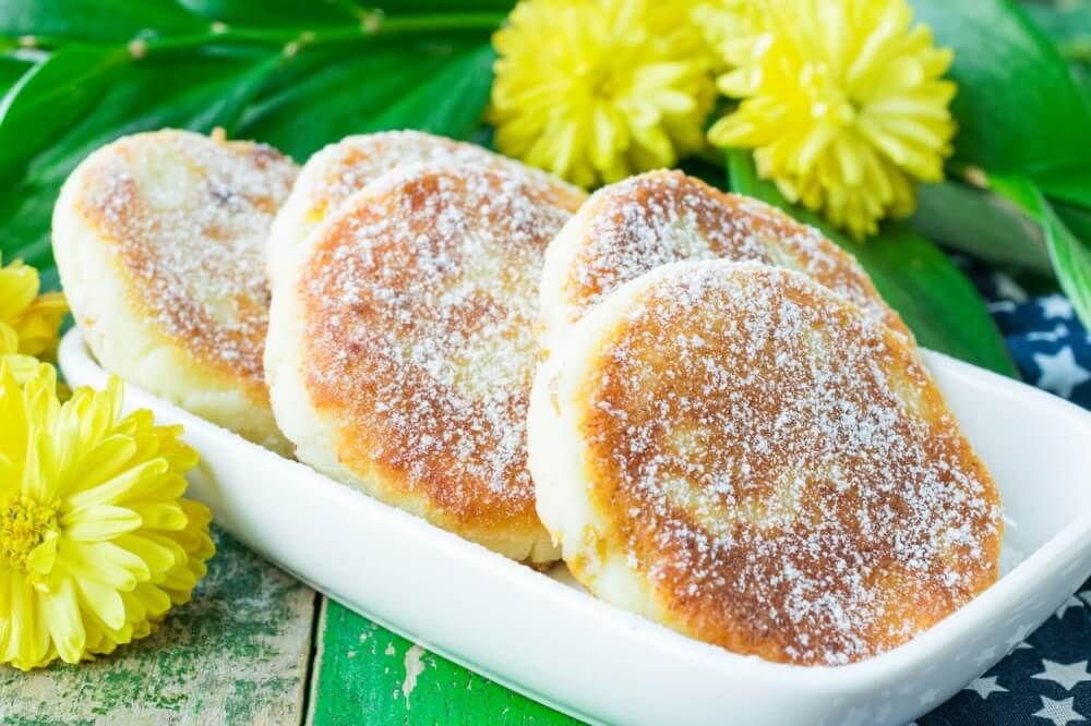Russian Cheese Pancakes with Rice Flour and Raisins