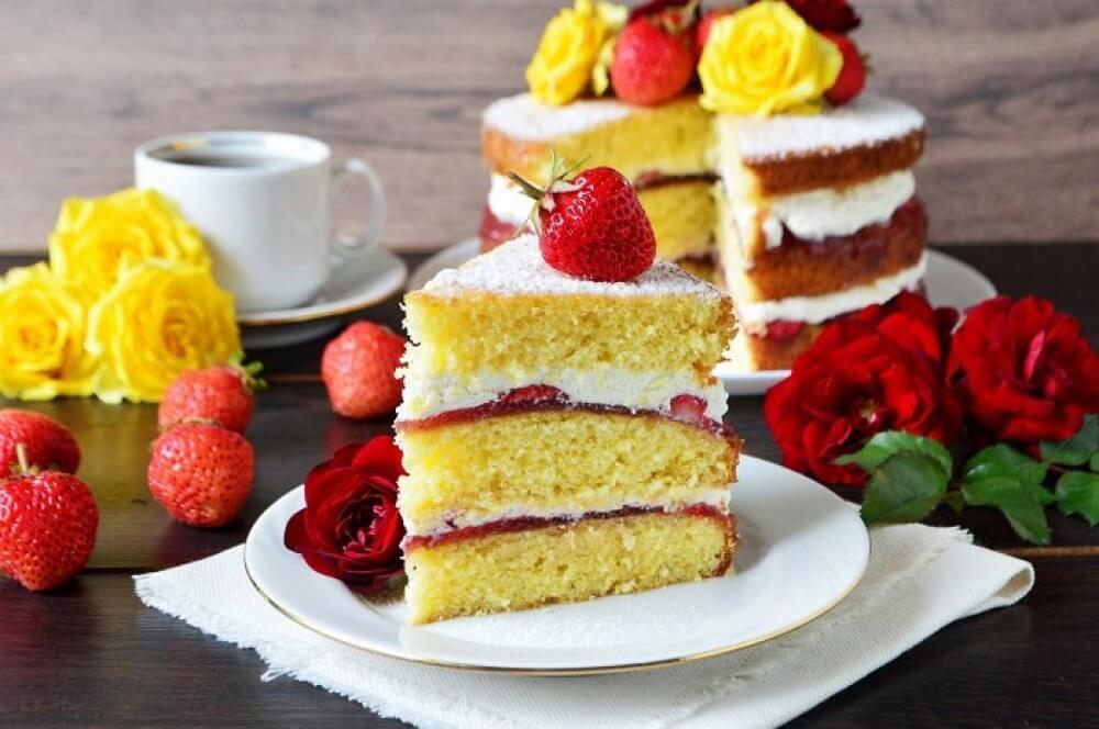 Is Victoria Sponge Cake Strawberry